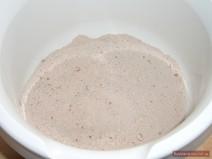 Сухие ингредиетны в миске для светлого теста для торта Липун