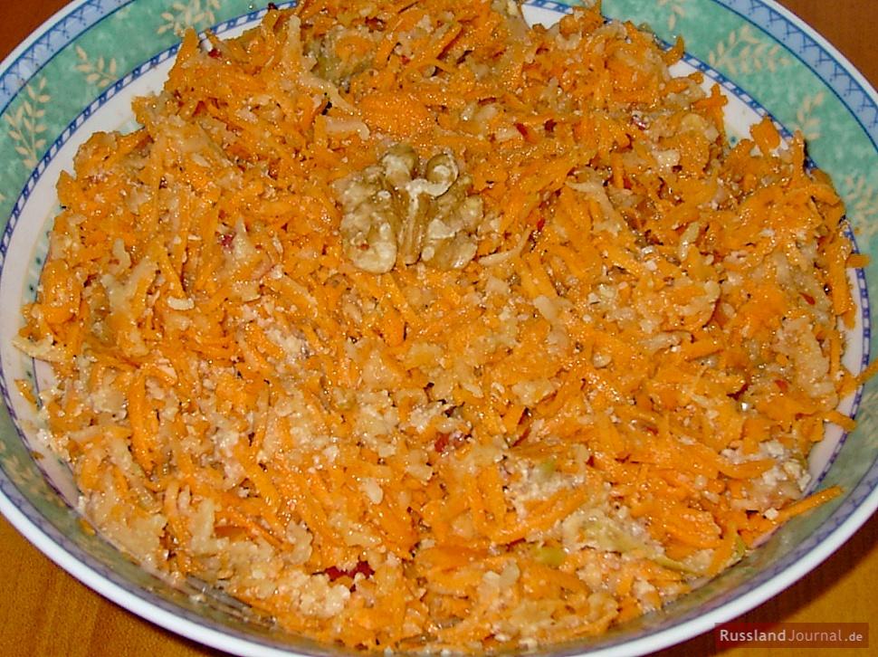 Apfel-Karotten Salat – RusslandJournal.de