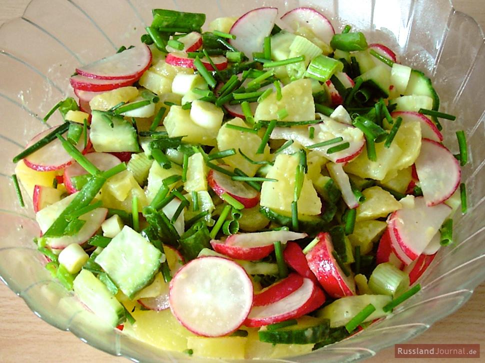 Kartoffelsalat mit Radieschen
