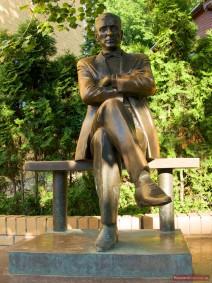 Michail Bulgakow Statue