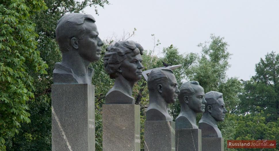 Denkmäler für die ersten Kosmonauten