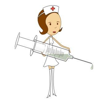 Krankenschwester mit einer großen Spritze