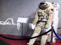 Kosmonaut mit Düsenrucksack