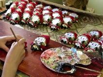 Herstellung der Nussknacker in der Puppenwerkstatt