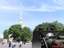 Blick von der Naryschkin-Bastion auf die Peter-Paul-Kathedrale
