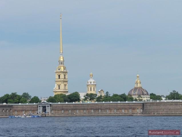 Blick auf die Peter-Paul-Festung von der Newa