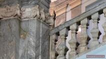 Geländer der Paradetreppe im Marmorpalast