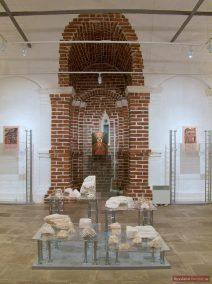 Archäologische Funde und Ikone in der Christi-Himmelfahrts-Kirche, Kolomenskoje