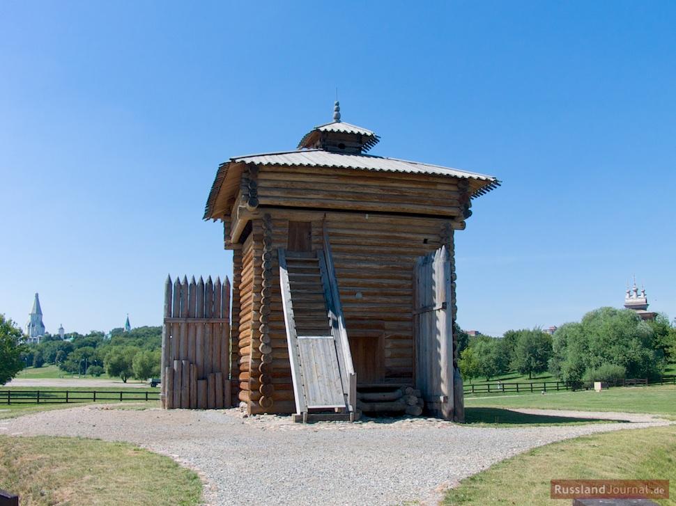 Turm der Palisadenfestung von Bratsk in Kolomenskoje