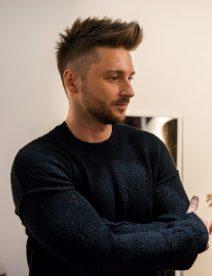 Sergey Lazarev im schwarzen Pulli