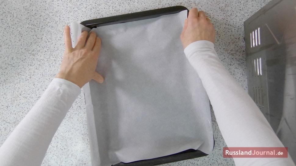 Blech mit Backpapier