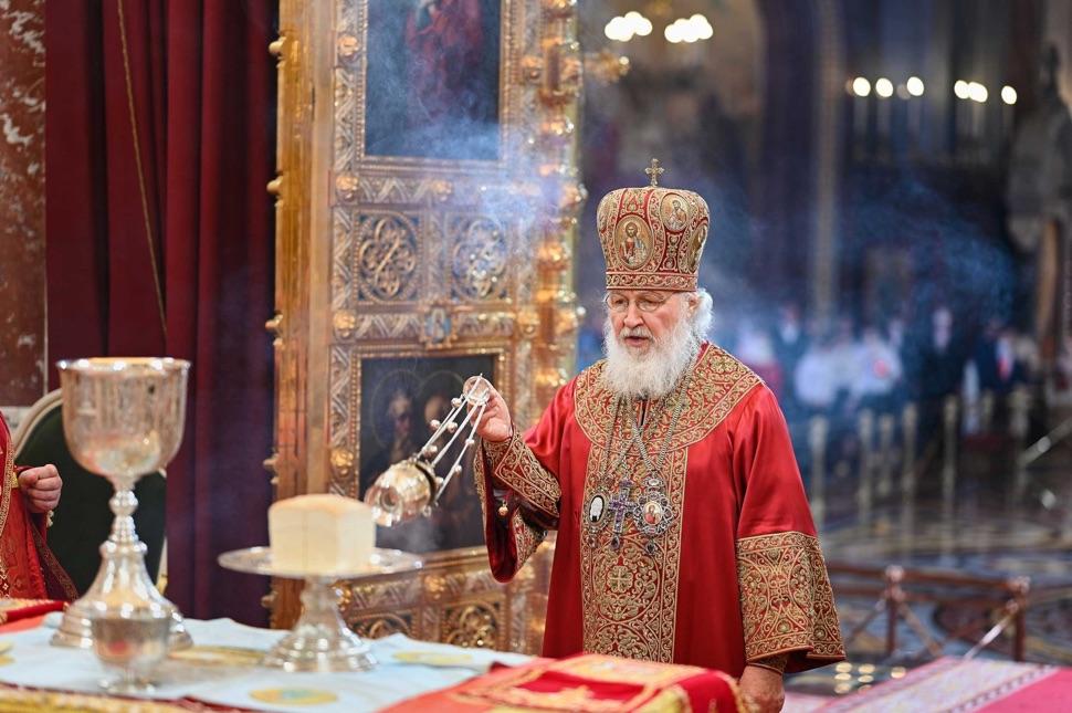 Der Patriarch weiht Osterspeisen